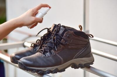 how to stop smelly work boots